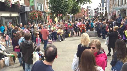 Reading Flash mob 16Sep17_Will Kempe